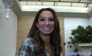 Top travesti Bianca Hills pediu leitinho na boca