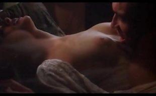 Alyssa Milano do embrace of the vampire
